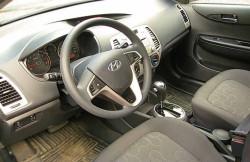 Hyundai i20, передняя панель, салон, субкомпактный хэтчбек, фото, авто, Korea